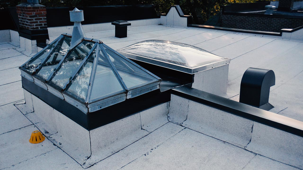 Skylight and roof vent installation Emile Lelievre Couvreur Ferblantier